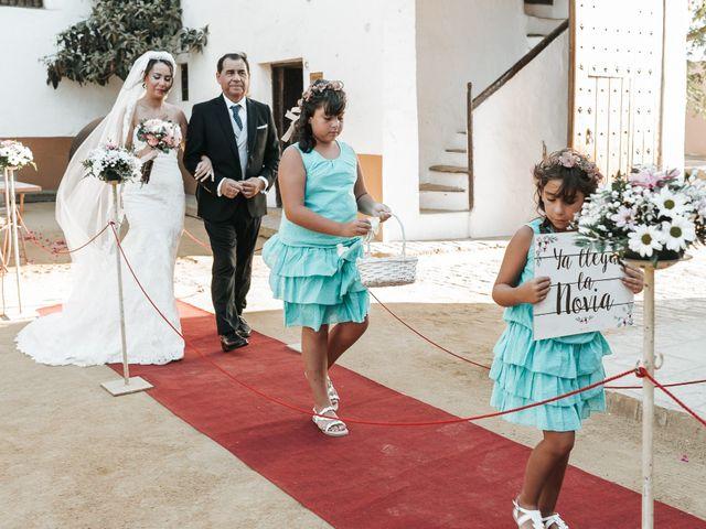 La boda de Javier y Abigail en Alcala De Guadaira, Sevilla 22