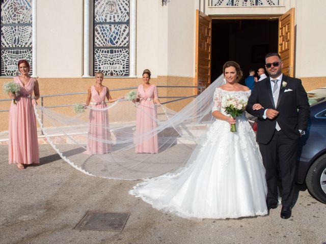 La boda de Juan Antonio y Chari en Alhaurin De La Torre, Málaga 16