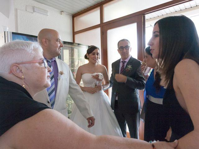 La boda de Rubén y Andrea en Corbera De Llobregat, Barcelona 16