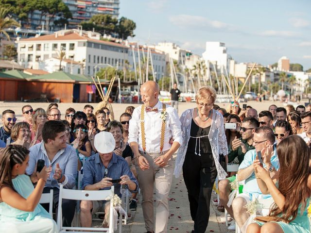 La boda de Iván y Irene en Canet De Mar, Barcelona 31