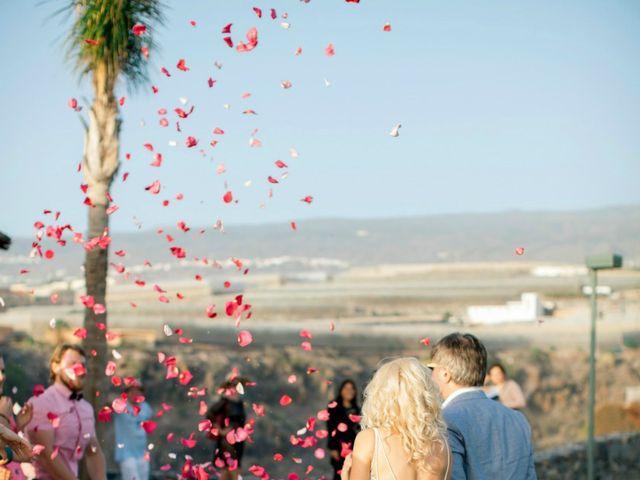La boda de Alexey y Anita en Santa Cruz De Tenerife, Santa Cruz de Tenerife 42