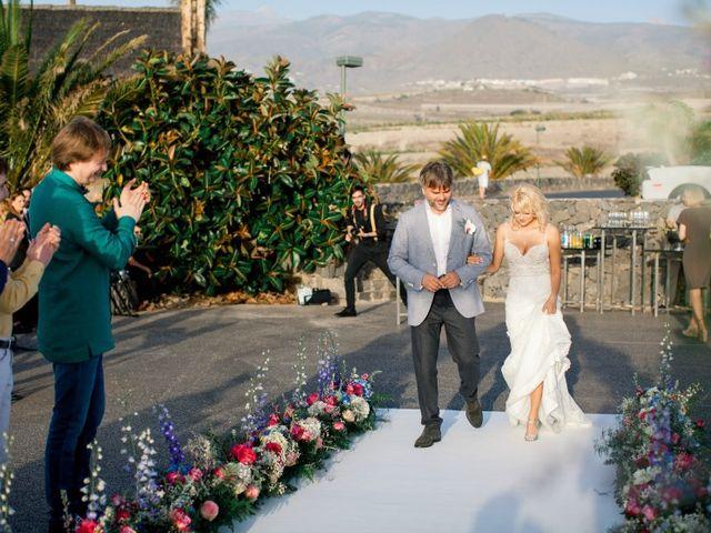 La boda de Alexey y Anita en Santa Cruz De Tenerife, Santa Cruz de Tenerife 45