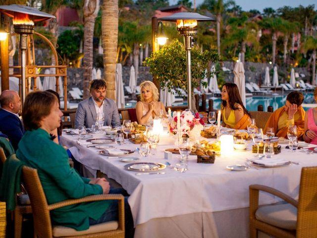 La boda de Alexey y Anita en Santa Cruz De Tenerife, Santa Cruz de Tenerife 82