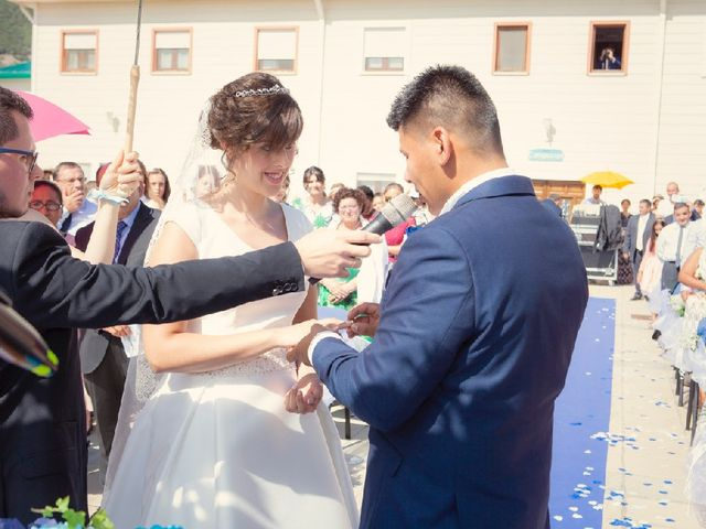 La boda de Jonathan   y Elizabet   en Ciriza, Navarra 6