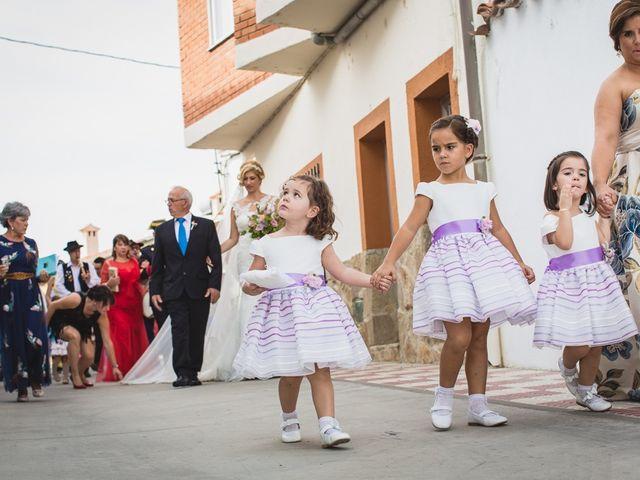 La boda de Luis y María en Valdastillas, Cáceres 14