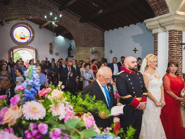 La boda de Luis y María en Valdastillas, Cáceres 17