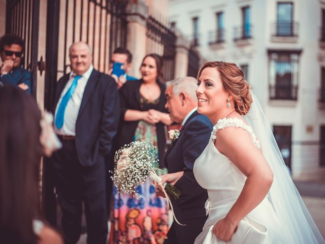 La boda de Javier y Yolanda en Badajoz, Badajoz 16