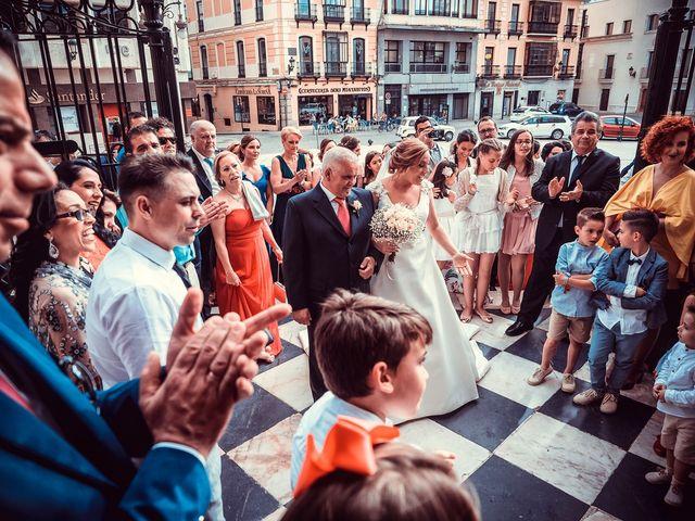 La boda de Javier y Yolanda en Badajoz, Badajoz 18