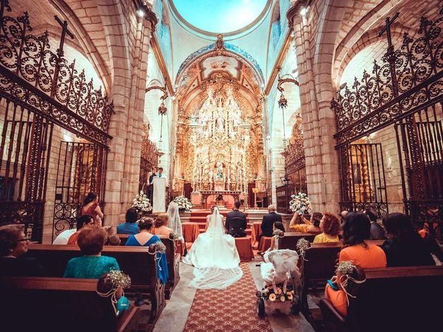 La boda de Javier y Yolanda en Badajoz, Badajoz 22