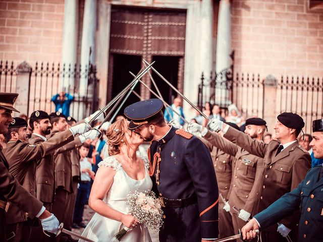 La boda de Javier y Yolanda en Badajoz, Badajoz 43
