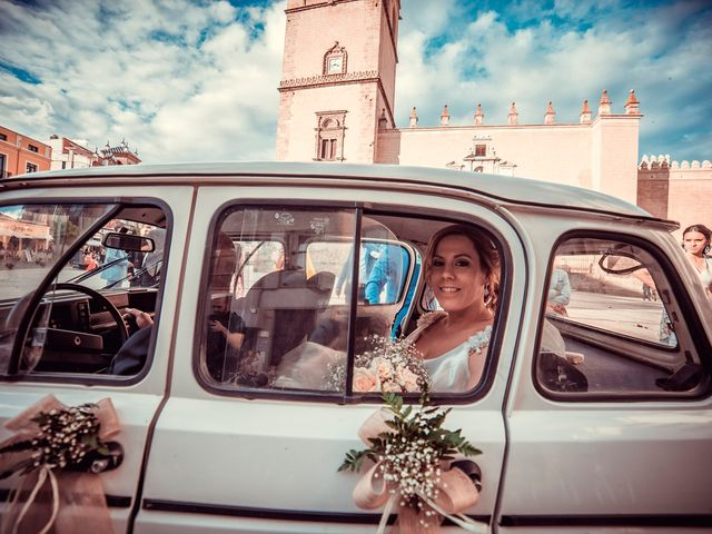 La boda de Javier y Yolanda en Badajoz, Badajoz 49