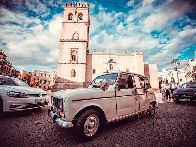 La boda de Javier y Yolanda en Badajoz, Badajoz 50
