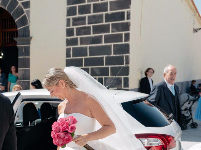 La boda de Juan Ramón y Carmen en Candelaria, Santa Cruz de Tenerife 12