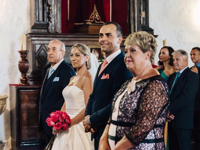 La boda de Juan Ramón y Carmen en Candelaria, Santa Cruz de Tenerife 21