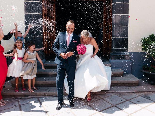 La boda de Juan Ramón y Carmen en Candelaria, Santa Cruz de Tenerife 36