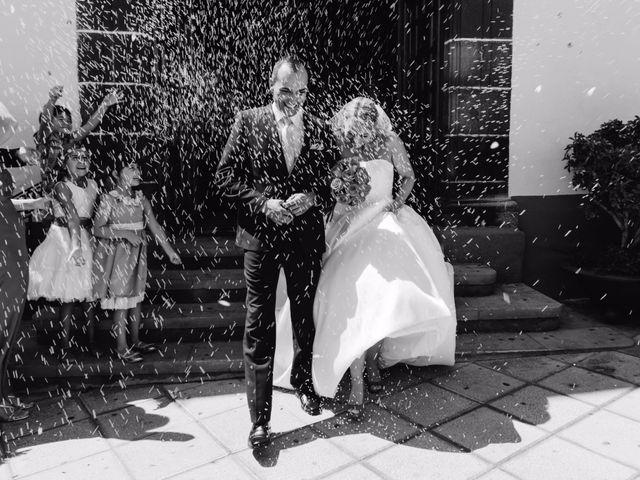 La boda de Juan Ramón y Carmen en Candelaria, Santa Cruz de Tenerife 37