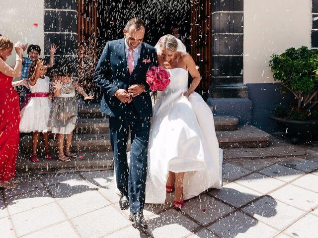 La boda de Juan Ramón y Carmen en Candelaria, Santa Cruz de Tenerife 38