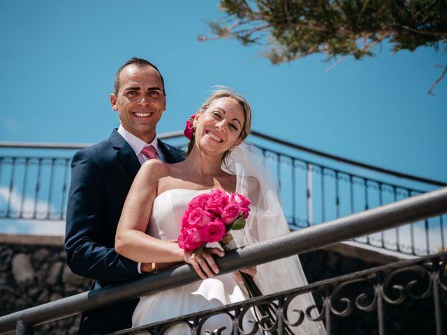La boda de Juan Ramón y Carmen en Candelaria, Santa Cruz de Tenerife 45