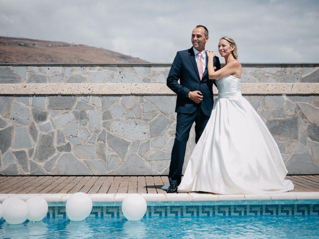 La boda de Juan Ramón y Carmen en Candelaria, Santa Cruz de Tenerife 49