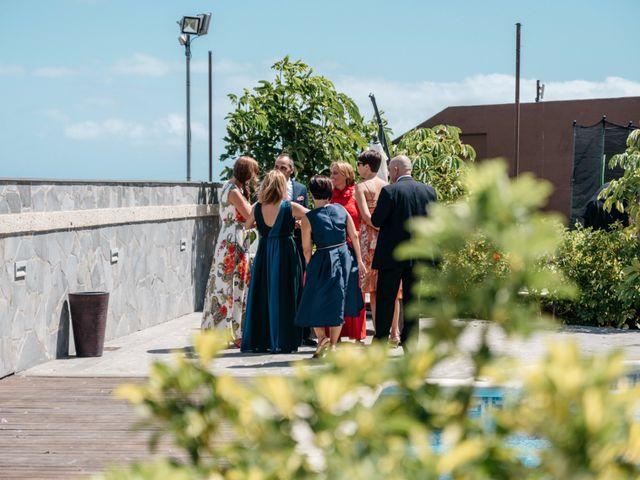 La boda de Juan Ramón y Carmen en Candelaria, Santa Cruz de Tenerife 56
