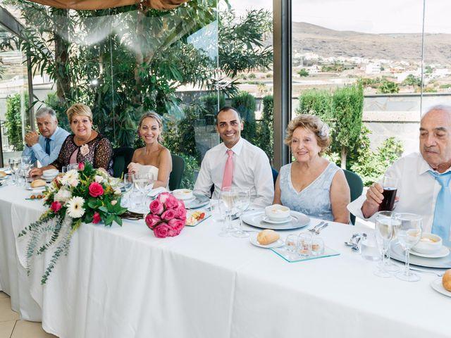 La boda de Juan Ramón y Carmen en Candelaria, Santa Cruz de Tenerife 62