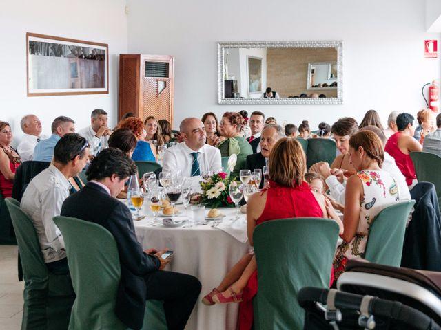 La boda de Juan Ramón y Carmen en Candelaria, Santa Cruz de Tenerife 64