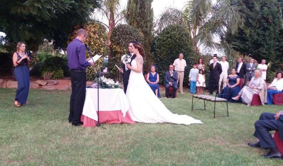 La boda de Emiliano y Myriam en Valencia, Valencia