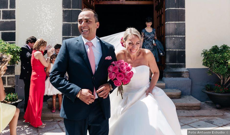 La boda de Juan Ramón y Carmen en Candelaria, Santa Cruz de Tenerife