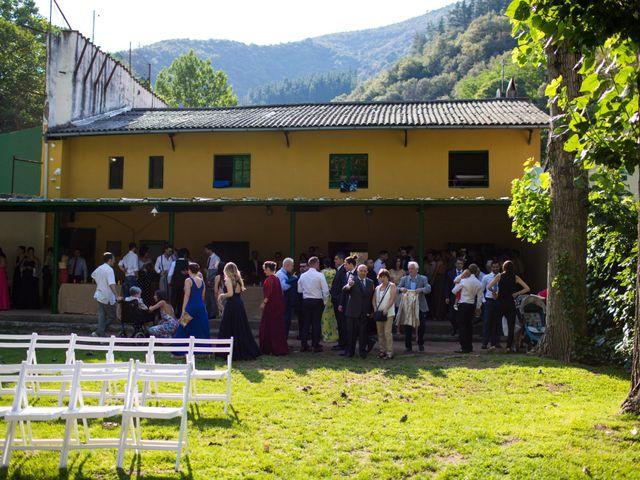 La boda de Pau y Meri Txell en Osor, Girona 27