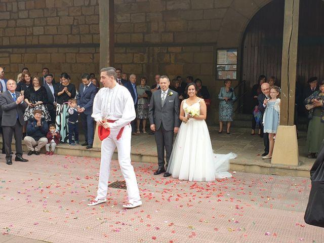 La boda de Juan y Elixabet en Barakaldo, Vizcaya 2