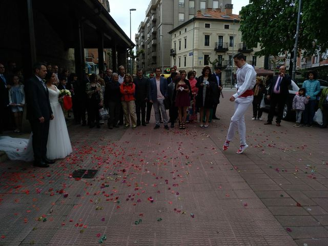 La boda de Juan y Elixabet en Barakaldo, Vizcaya 1