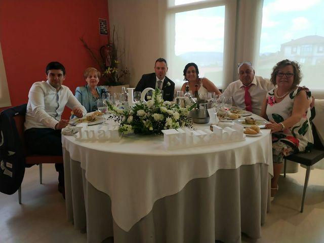 La boda de Juan y Elixabet en Barakaldo, Vizcaya 6
