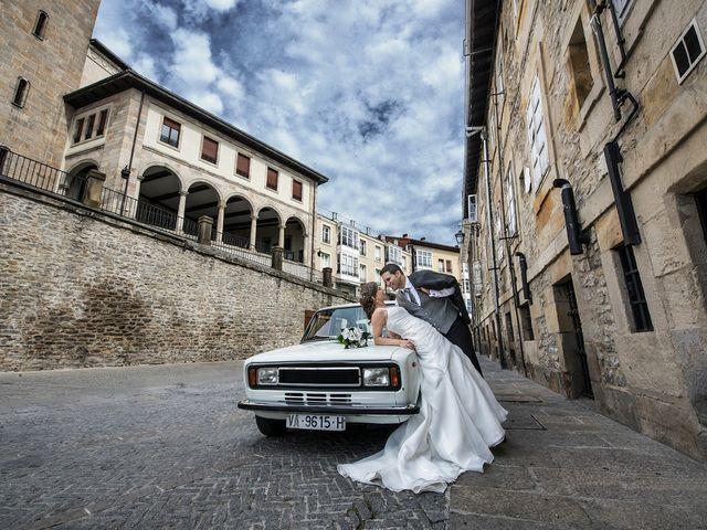 La boda de Txema y Lorea en Vitoria-gasteiz, Álava 16