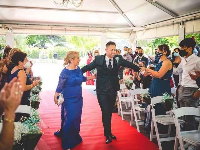 La boda de Vicki y José en Leganés, Madrid 31