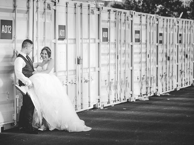 La boda de Vicki y José en Leganés, Madrid 59
