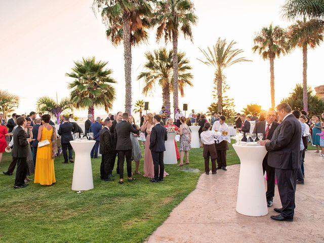 La boda de Alfredo y Rocío en Santa Cruz De Tenerife, Santa Cruz de Tenerife 39