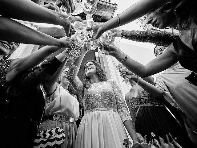 La boda de Juan Antonio y Carmen en Villafranca De Los Barros, Badajoz 19