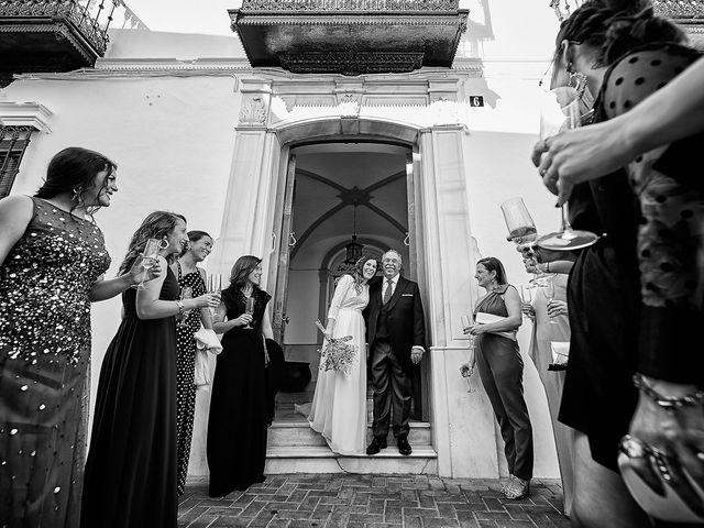 La boda de Juan Antonio y Carmen en Villafranca De Los Barros, Badajoz 21