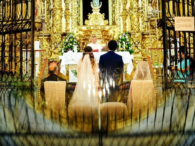 La boda de Juan Antonio y Carmen en Villafranca De Los Barros, Badajoz 25