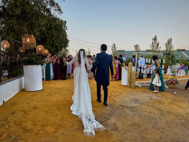 La boda de Juan Antonio y Carmen en Villafranca De Los Barros, Badajoz 34