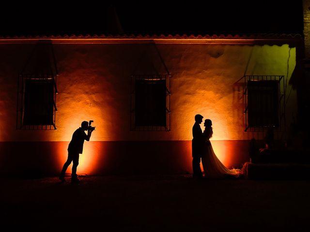 La boda de Juan Antonio y Carmen en Villafranca De Los Barros, Badajoz 40
