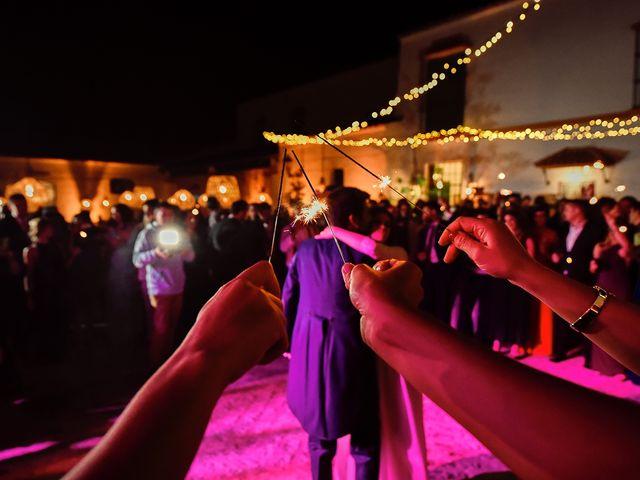 La boda de Juan Antonio y Carmen en Villafranca De Los Barros, Badajoz 43