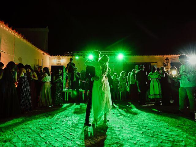 La boda de Juan Antonio y Carmen en Villafranca De Los Barros, Badajoz 44