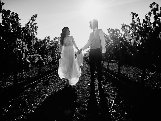 La boda de Juan Antonio y Carmen en Villafranca De Los Barros, Badajoz 47