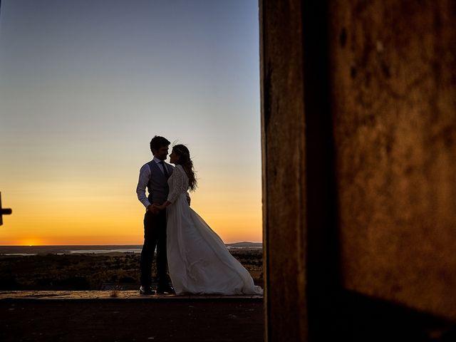 La boda de Juan Antonio y Carmen en Villafranca De Los Barros, Badajoz 54