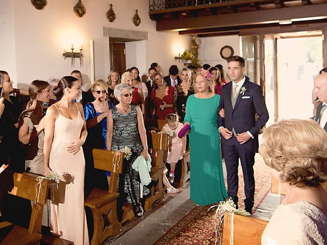 La boda de Adrian y Barbara en Culleredo, A Coruña 12