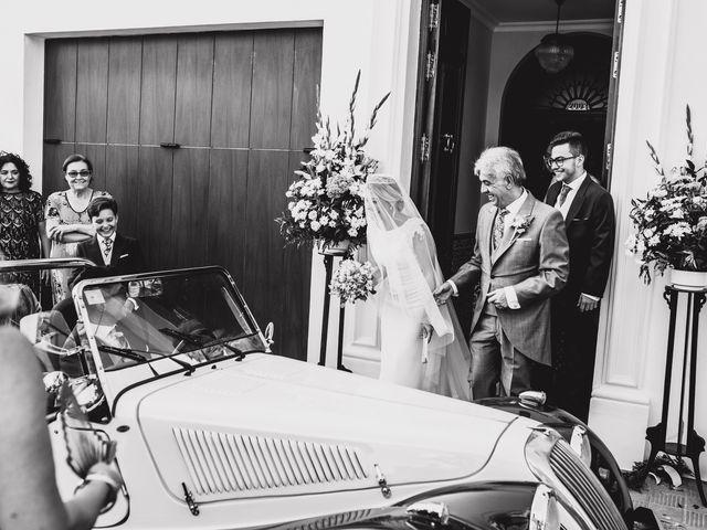 La boda de Manolo y Isabel en Viso Del Alcor, Sevilla 41