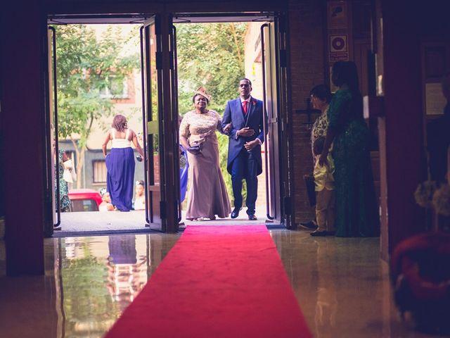 La boda de Saturno y Clemen en Madrid, Madrid 33