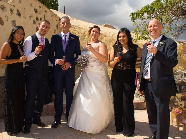 La boda de Juan y Laura en Telde, Las Palmas 1