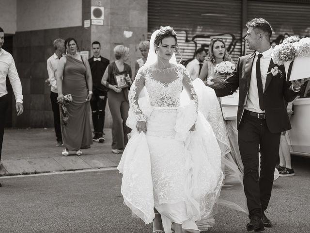 La boda de Alex y Hanna en Sant Vicenç De Montalt, Barcelona 28